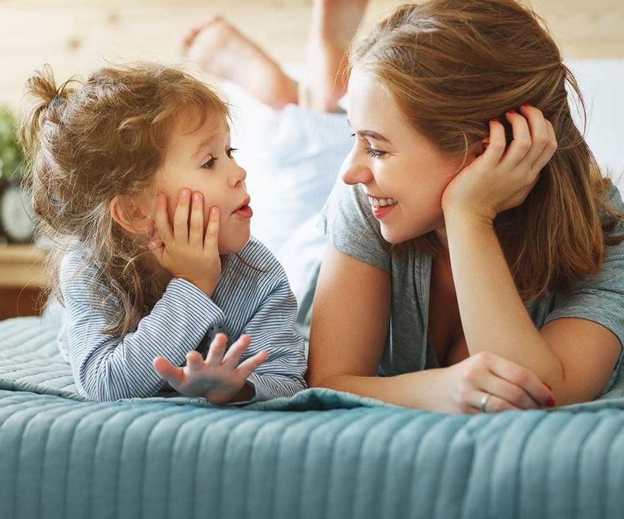 علت پرحرفی در بچه ها